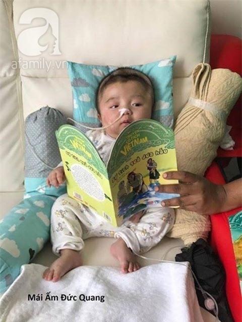 Vỡ òa hạnh phúc khi bé Phạm Đức Lộc đã mọc răng, đang tập lật - Ảnh 9.