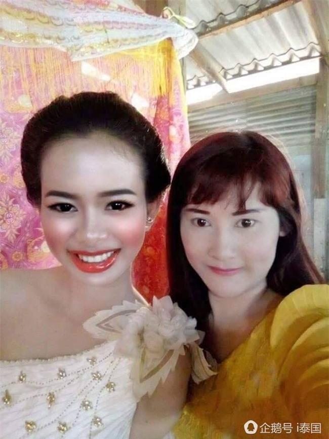 """Cô dâu chú rể uất hận vì thuê nhầm thợ make up """"mất tâm"""", hóa trang như hề trong ngày cưới - Ảnh 8."""