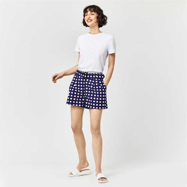 Đâu cần diện váy, cứ mặc quần short cách điệu là bạn đã nữ tính hết nấc - Ảnh 5.