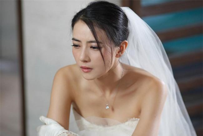 """Tin """"sét đánh"""" khiến cô dâu tái mét mặt trước giờ lên xe hoa - Ảnh 1."""