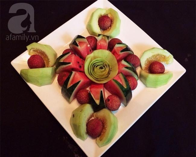 Bày mâm cỗ tết Đoan Ngọ đẹp mắt với hoa quả đang mùa - Ảnh 3.