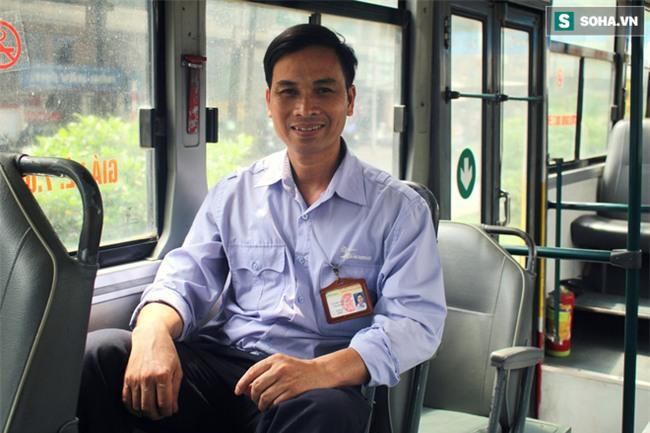 Vị khách xấu tính trên xe buýt và chuyện tài xế đi vệ sinh cũng phải xin phép - Ảnh 1.