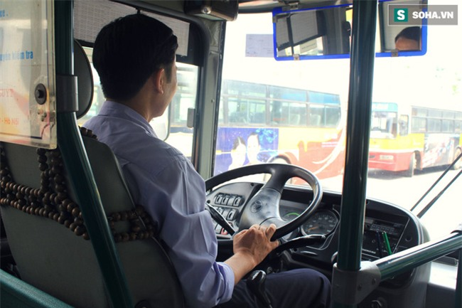 Vị khách xấu tính trên xe buýt và chuyện tài xế đi vệ sinh cũng phải xin phép - Ảnh 3.