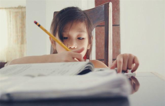 3 điều quan trọng khi nuôi dạy con, số 2 ít cha mẹ Việt làm được - Ảnh 1.
