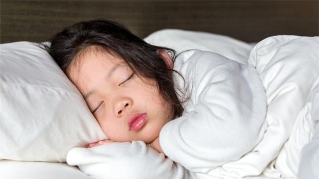 Không phải đau đầu chọn trường tốt, dưới đây là 5 điều bố mẹ có con vào lớp 1 nên làm - Ảnh 4.