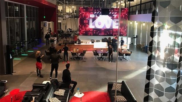 Một góc Không gian dành cho nhà sáng tạo (YouTube Creator Space) ở trụ sở YouTube tại Los Angeles, Mỹ.