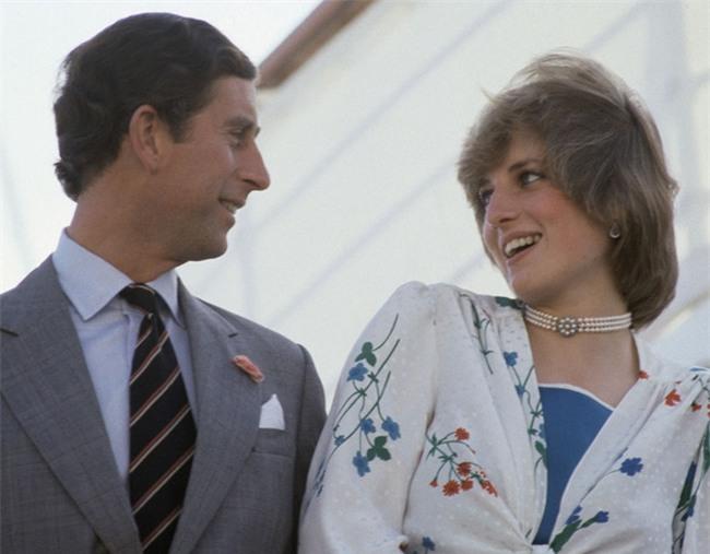 Câu nói đầy cay đắng của Công nương Diana bóc trần sự thật về cuộc hôn nhân hoàng gia có vẻ ngoài cổ tích - Ảnh 2.