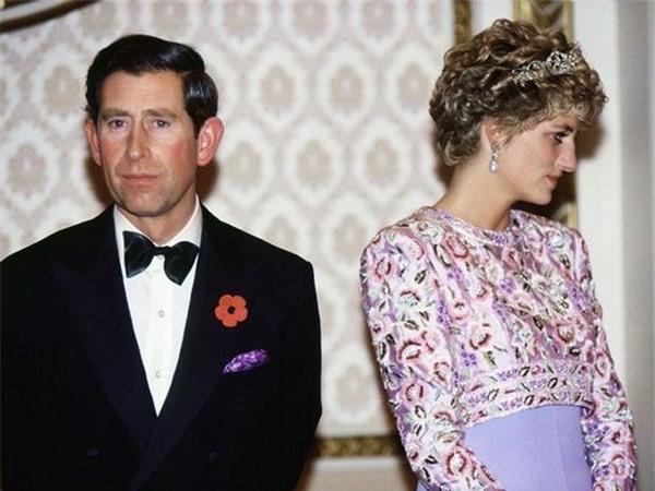 Câu nói đầy cay đắng của Công nương Diana bóc trần sự thật về cuộc hôn nhân hoàng gia có vẻ ngoài cổ tích - Ảnh 5.