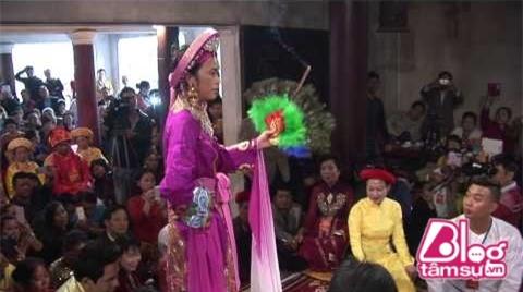 hoai-linh-hau-dong-blogtamsuvn14