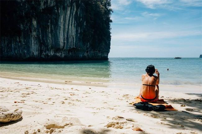 Ngay gần Việt Nam có 5 bãi biển thiên đường đẹp nhường này, không đi thì tiếc lắm! - Ảnh 2.
