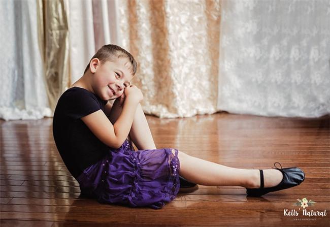 Con trai có mặc váy thì bố mẹ cũng kệ và lý do đằng sau khiến nhiều người cảm phục - Ảnh 1.