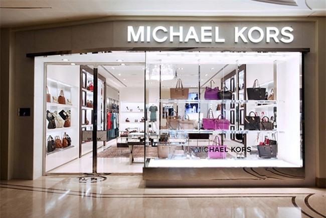 Michael Kors đồng loạt đóng cửa 100 cửa hàng vì lí do không ai ngờ tới  - Ảnh 4.