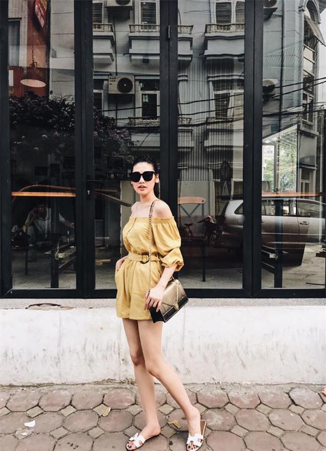 Kỳ Duyên diện đồ đơn giản vẫn kiêu kỳ, Angela Phương Trinh bỗng màu mè hết biết trong street style tuần này - Ảnh 11.