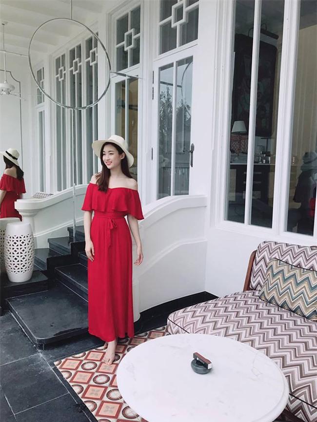 Kỳ Duyên diện đồ đơn giản vẫn kiêu kỳ, Angela Phương Trinh bỗng màu mè hết biết trong street style tuần này - Ảnh 12.
