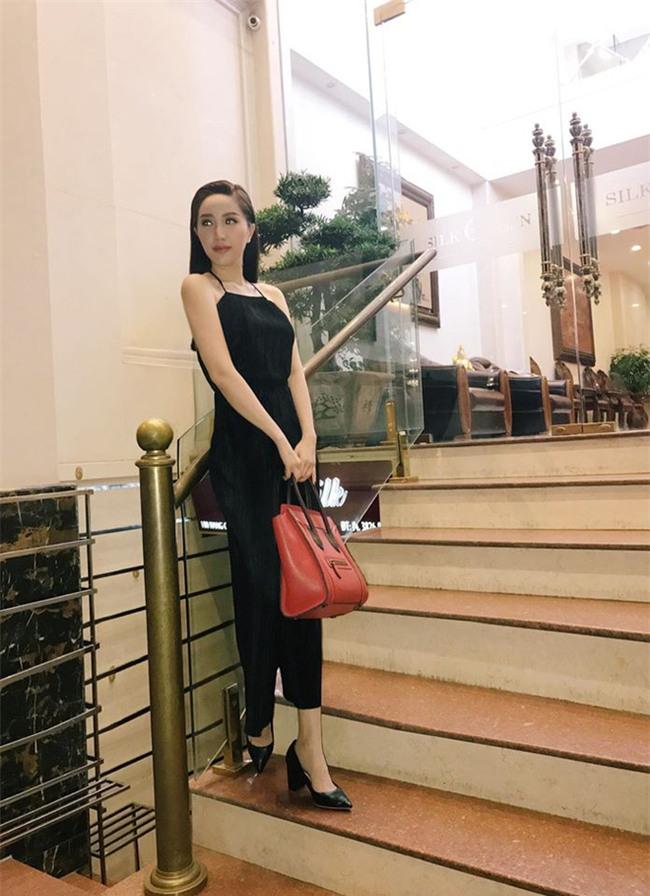 Kỳ Duyên diện đồ đơn giản vẫn kiêu kỳ, Angela Phương Trinh bỗng màu mè hết biết trong street style tuần này - Ảnh 19.