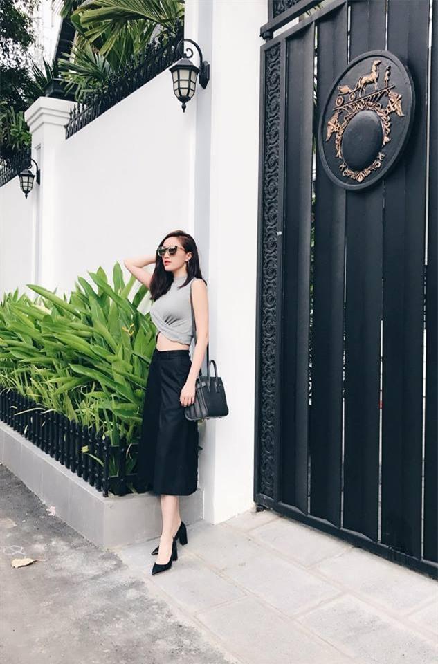 Kỳ Duyên diện đồ đơn giản vẫn kiêu kỳ, Angela Phương Trinh bỗng màu mè hết biết trong street style tuần này - Ảnh 20.