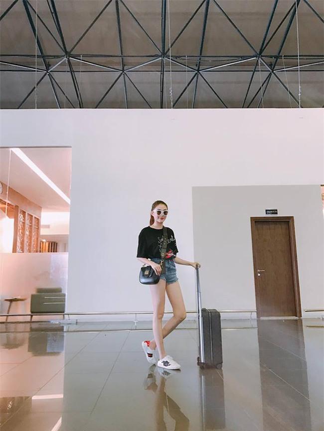 Kỳ Duyên diện đồ đơn giản vẫn kiêu kỳ, Angela Phương Trinh bỗng màu mè hết biết trong street style tuần này - Ảnh 24.