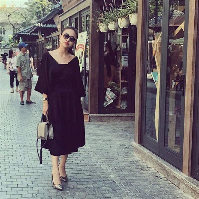 Kỳ Duyên diện đồ đơn giản vẫn kiêu kỳ, Angela Phương Trinh bỗng màu mè hết biết trong street style tuần này - Ảnh 28.