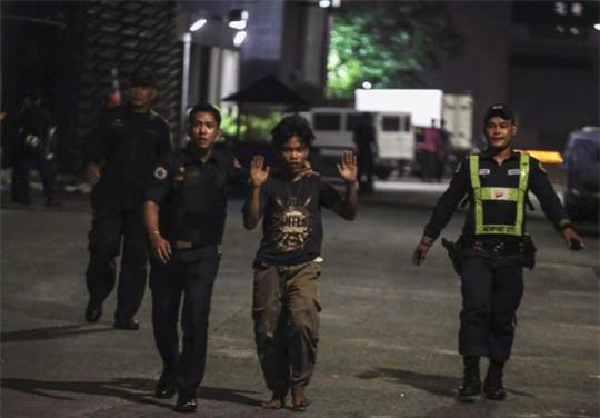 Vụ nổ súng Philippines: Phát hiện 34 thi thể chết ngạt trong khách sạn - Ảnh 4.