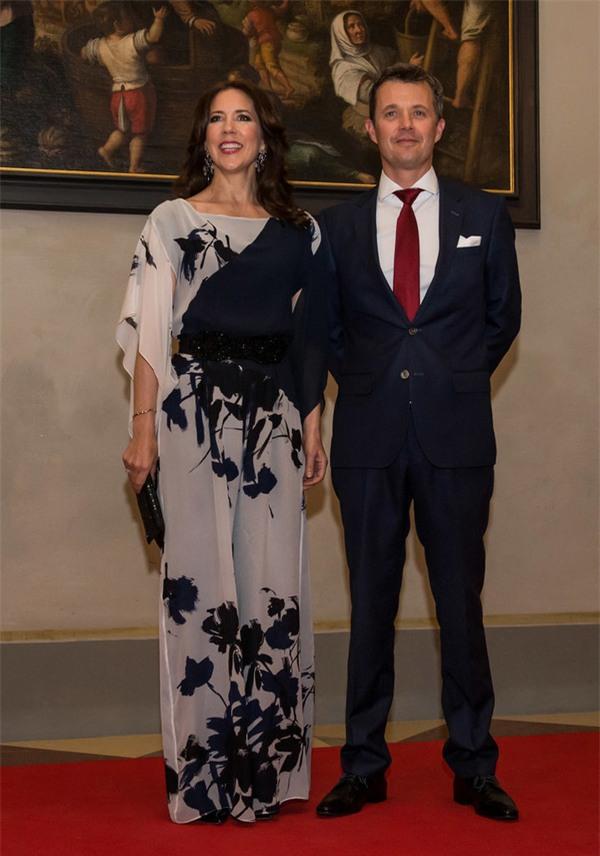 Có một vị công nương còn mặc đẹp hơn cả Kate Middleton - Ảnh 4.