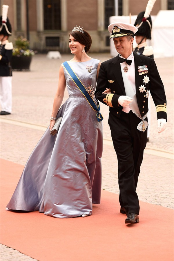 Có một vị công nương còn mặc đẹp hơn cả Kate Middleton - Ảnh 15.