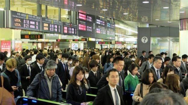 Làm việc tới chết: nỗi ám ảnh phủ bóng thanh niên Nhật Bản - Ảnh 2.