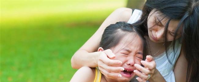 Đây là cách dỗ con nín khóc sai lầm mà cứ 10 mẹ thì tới 9 mẹ mắc phải - Ảnh 3.