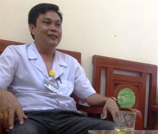 Phó giám đốc bệnh viện quay clip nóng với điều dưỡng làm kỷ niệm - Ảnh 2.