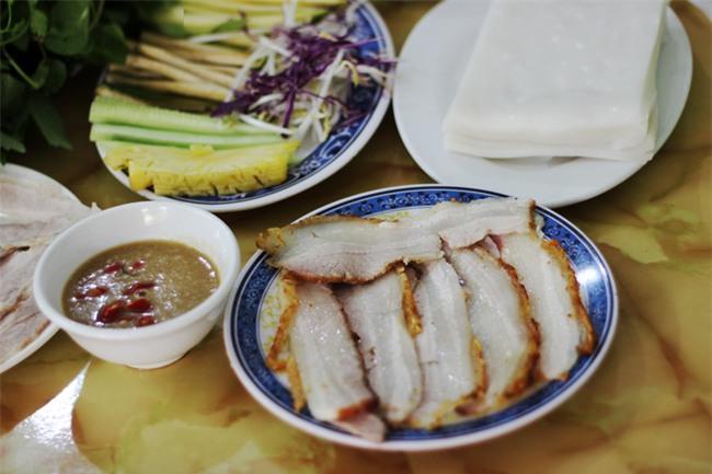 8 món ăn thần thánh giúp bạn chống chọi với thời tiết rán trứng giữa đường của Hà Nội - Ảnh 11.