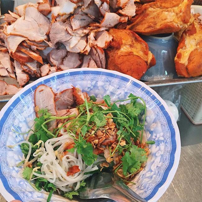 8 món ăn thần thánh giúp bạn chống chọi với thời tiết rán trứng giữa đường của Hà Nội - Ảnh 21.