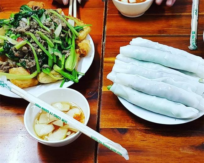 8 món ăn thần thánh giúp bạn chống chọi với thời tiết rán trứng giữa đường của Hà Nội - Ảnh 23.