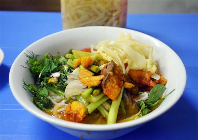 8 món ăn thần thánh giúp bạn chống chọi với thời tiết rán trứng giữa đường của Hà Nội - Ảnh 3.