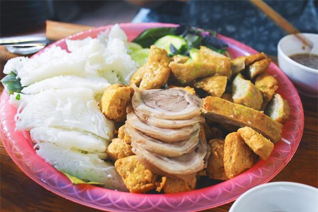 8 món ăn thần thánh giúp bạn chống chọi với thời tiết rán trứng giữa đường của Hà Nội - Ảnh 7.