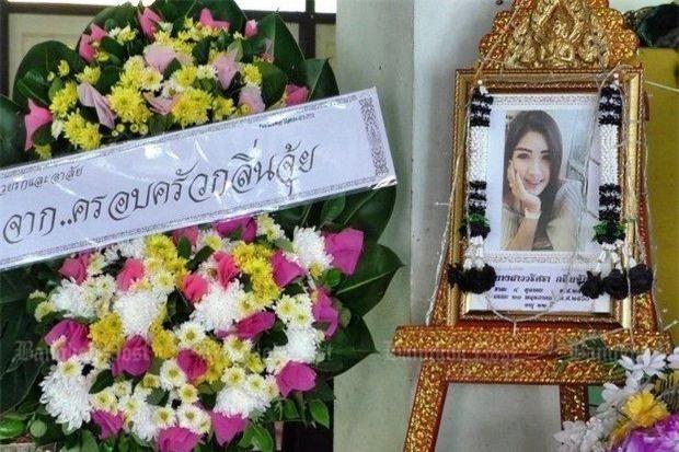 Nụ cười lạnh người và màn trang điểm khó hiểu của 3 nữ nghi phạm vụ giết người gây rúng động Thái Lan - Ảnh 1.