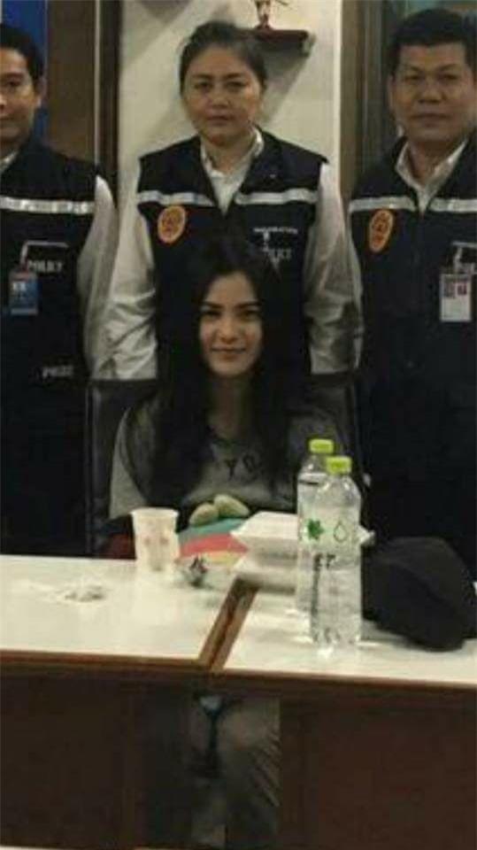 Nụ cười lạnh người và màn trang điểm khó hiểu của 3 nữ nghi phạm vụ giết người gây rúng động Thái Lan - Ảnh 4.
