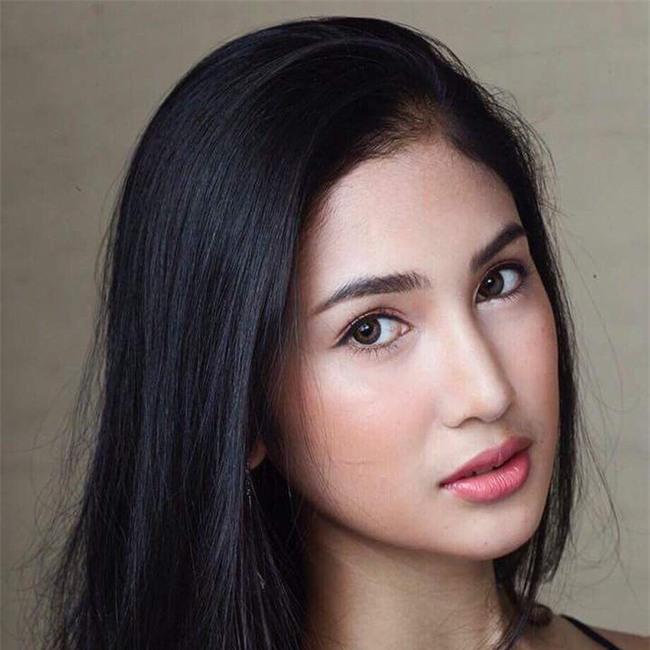 Thí sinh Hoa hậu chuyển giới Thái Lan gây chú ý vì sở hữu khuôn mặt xinh đẹp như diễn viên nổi tiếng - Ảnh 4.