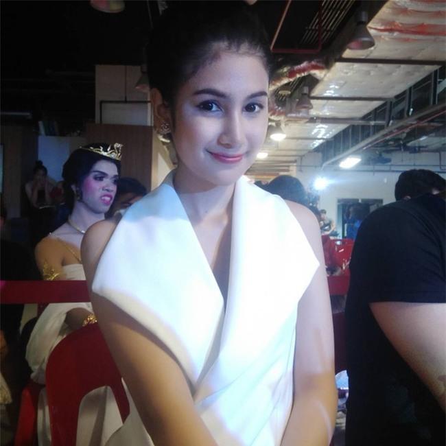 Thí sinh Hoa hậu chuyển giới Thái Lan gây chú ý vì sở hữu khuôn mặt xinh đẹp như diễn viên nổi tiếng - Ảnh 7.