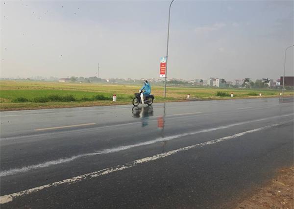 Hà Nội: Một số nơi đã xảy ra mưa rào, chính thức chấm dứt đợt nắng nóng kỷ lục - Ảnh 4.