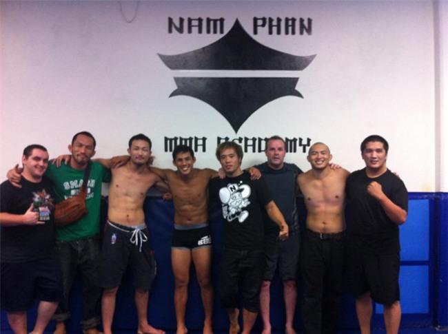 Nam Phan - nguoi tien phong mang vo Viet den UFC hinh anh 3