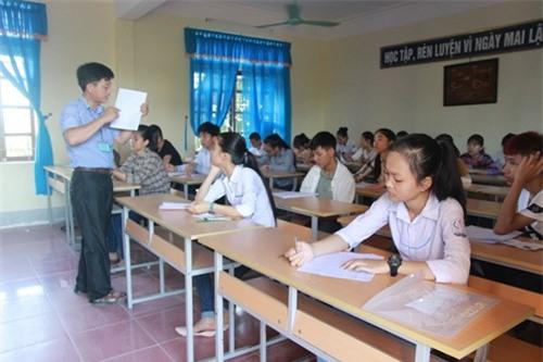 gan-29000-thi-sinh-buoc-vao-ky-thi-tuyen-sinh-vao-lop-10-thpt-giadinhvietnam.com 1