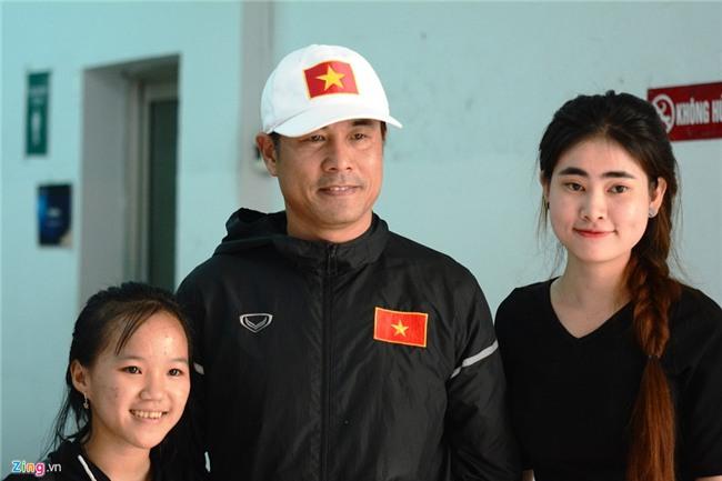 Xuan Truong than thien voi fan o ngay dau tap trung hinh anh 7