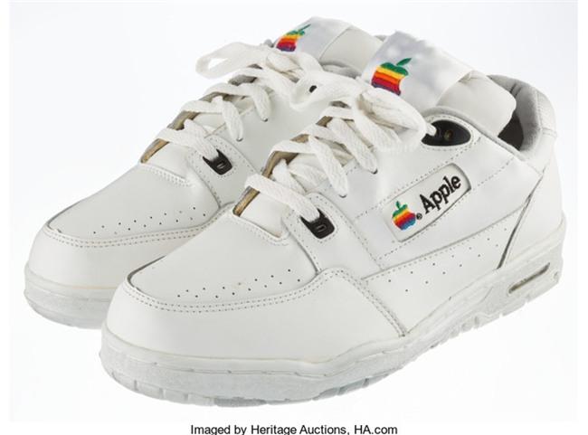 Có lẽ bạn chưa biết Apple từng làm cả giày thể thao và giá trị của nó sẽ khiến bạn bật ngửa - Ảnh 4.