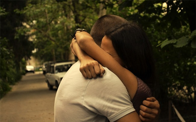 Đừng tâm sự hay tìm lời khuyên về tình cảm nếu không muốn tự hủy hoại tình yêu của mình - Ảnh 2.