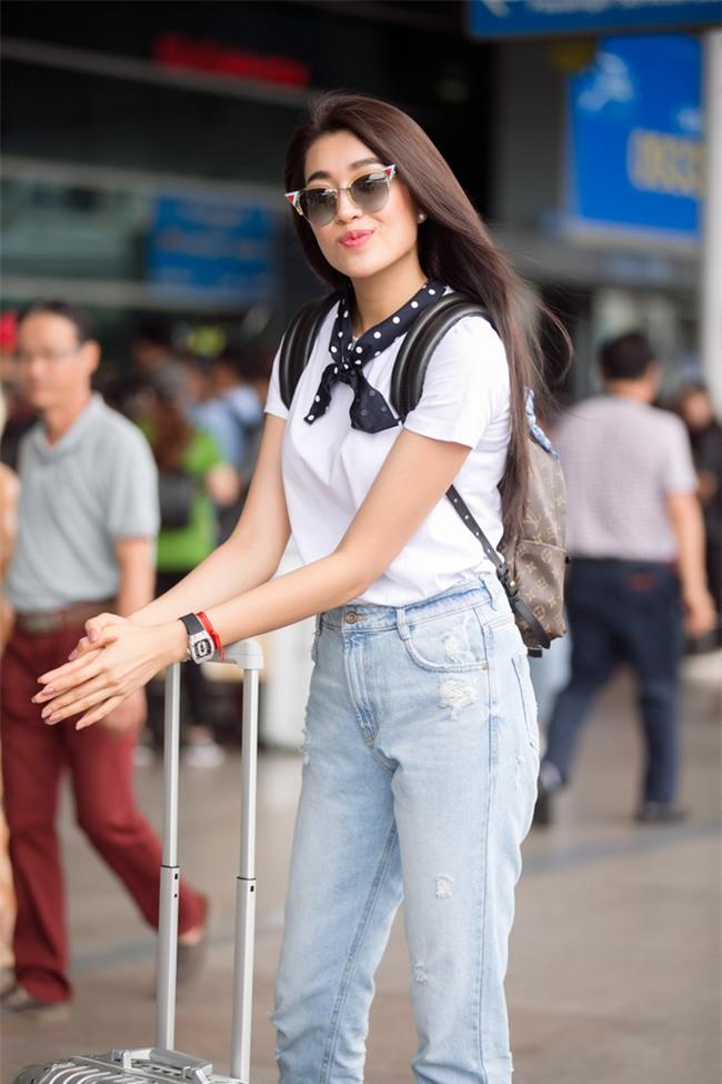 Không phải váy áo, túi xách mới là món đồ được sao Việt diện thật lồng lộn khi ra sân bay - Ảnh 16.