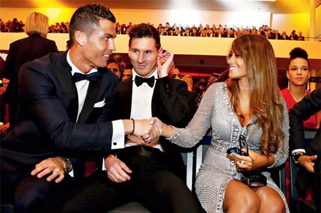 Ronaldo từ chối dự lễ cưới của Messi, và đây là lý do thực sự - Ảnh 1.
