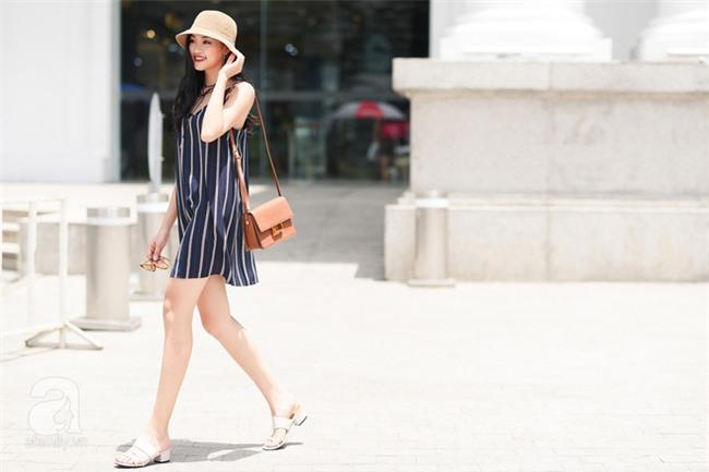 Cuối tuần nắng đẹp, quý cô hai miền xuống phố với loạt váy áo xinh miễn chê - Ảnh 1.