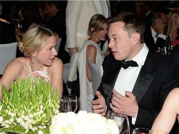 Bữa tối mới thường là bữa ăn chính mà Musk sử dụng để nạp năng lượng cho bản thân. Musk chia sẻ anh thường ăn nhiều hơn vào bữa tối.
