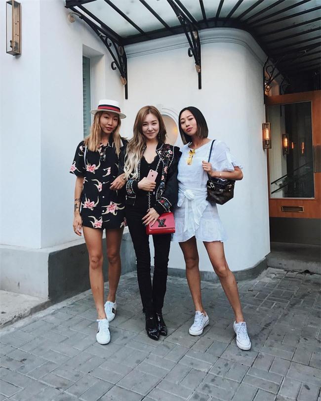 Muốn biết xu hướng nào đang hot, bạn chỉ cần nhìn street style của phái đẹp châu Á là đủ! - Ảnh 13.