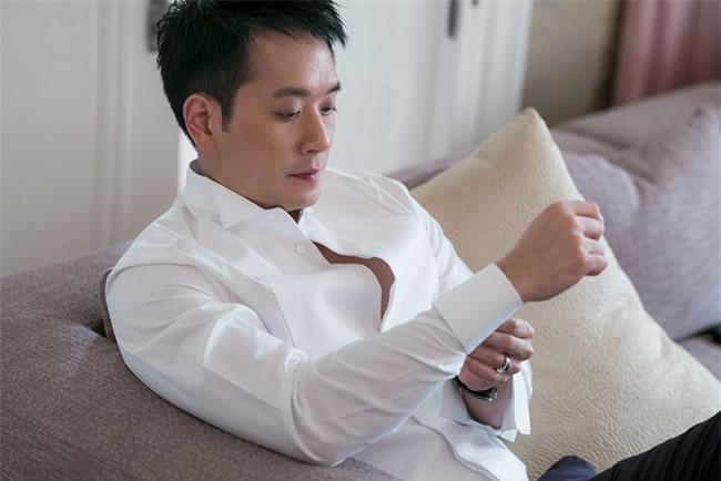 Mỹ nhân đẹp nhất nhì Thái Lan đeo nhẫn kim cương 5 carat, thay 6 bộ váy đắt đỏ trong đám cưới triệu đô - Ảnh 7.