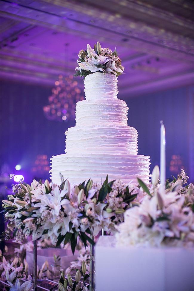 Mỹ nhân đẹp nhất nhì Thái Lan đeo nhẫn kim cương 5 carat, thay 6 bộ váy đắt đỏ trong đám cưới triệu đô - Ảnh 17.